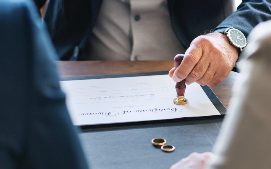 Quels actes sont rédigés dans une procédure de divorce amiable ?