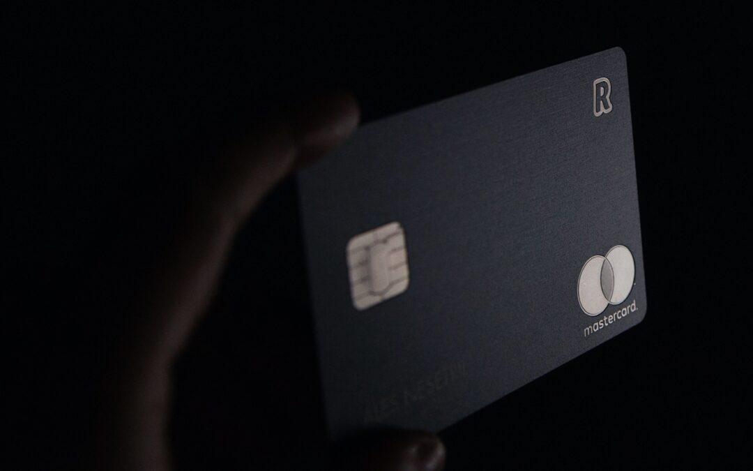 Compte bancaire caché : est-il possible de demander son partage après une procédure amiable ?