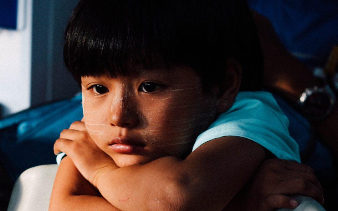 Quel époux est responsable des fautes des enfants après un divorce amiable ?