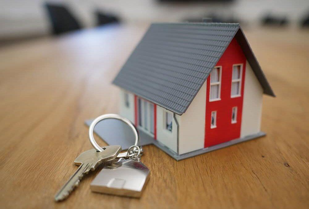 Puis-je racheter un bien immobilier pendant le divorce sous un régime de séparation de biens ?
